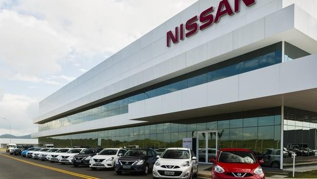 Nissan e Toyota suspendem atividades no Brasil