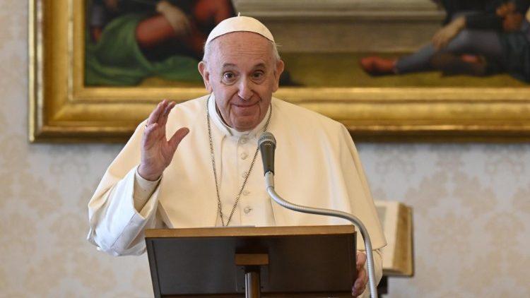 Papa doa vacinas para imunizar 1,2 mil pobres na Itália