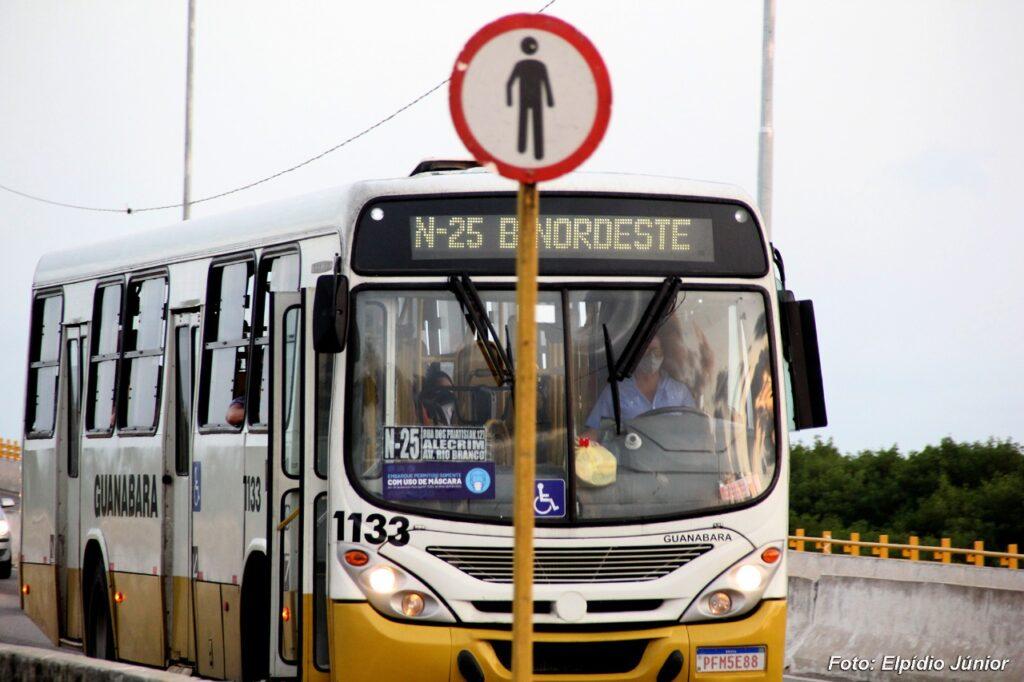Álvaro Dias veta emenda que proibia aumento da tarifa de ônibus