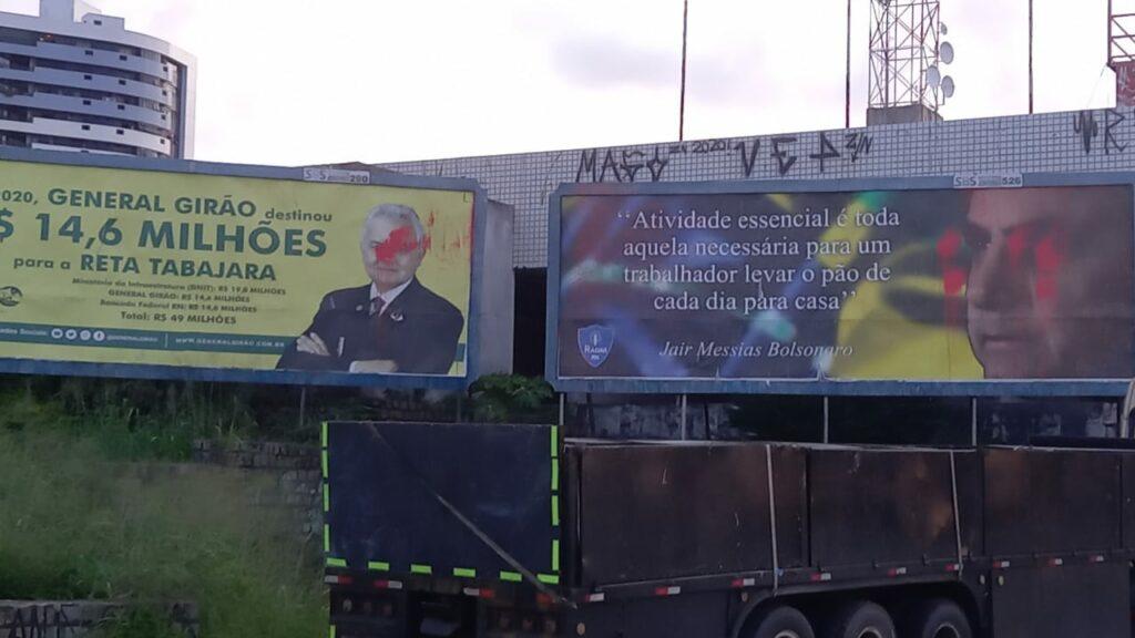 """Outdoors de Girão e Bolsonaro são danificados em Natal e deputado reage: """"intolerantes"""""""
