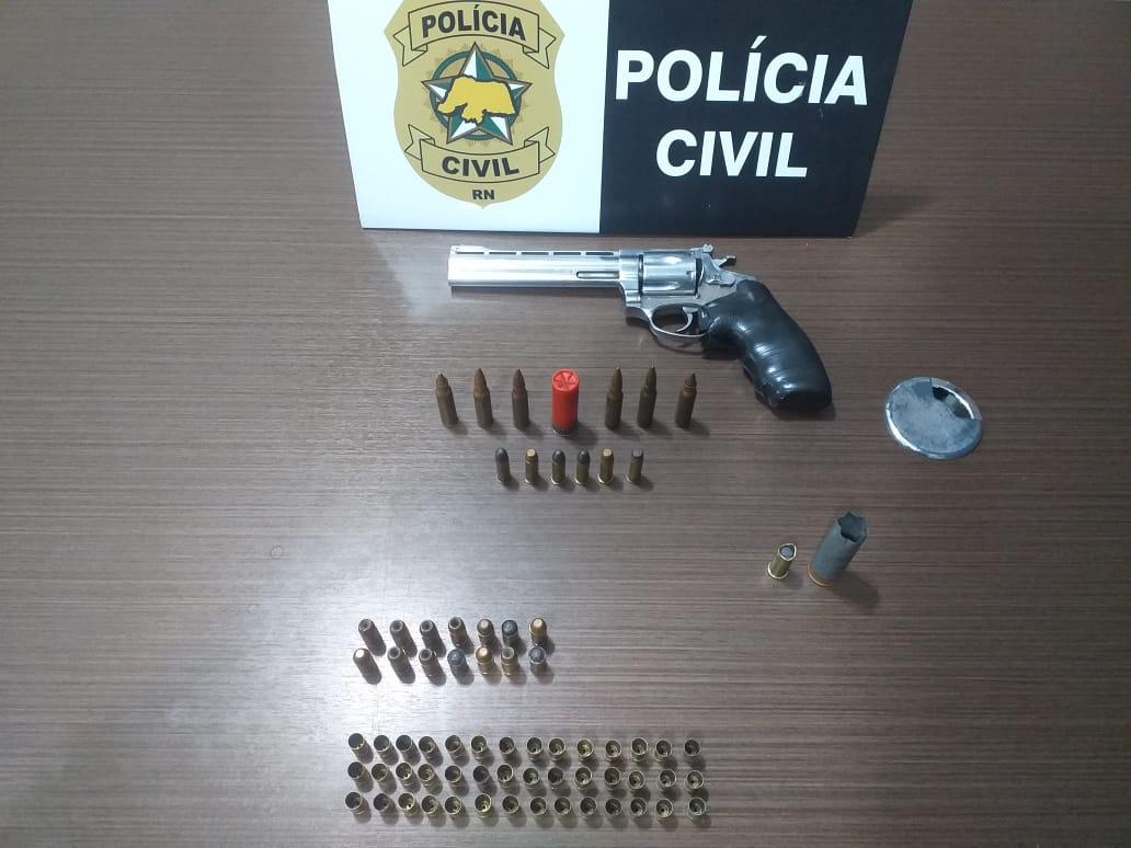 Polícia Civil prende suspeito de cometer mais de 10 homicídios em Macaíba só em 2021