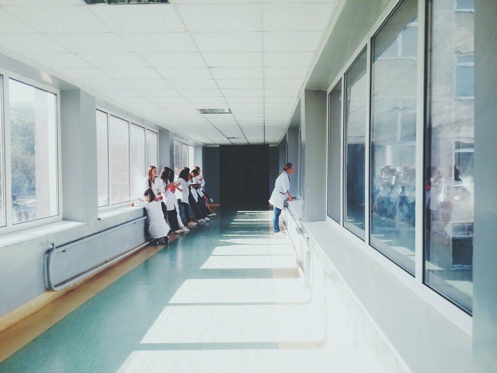 Prefeitura de Mossoró abre processo seletivo com 313 vagas na área da Saúde