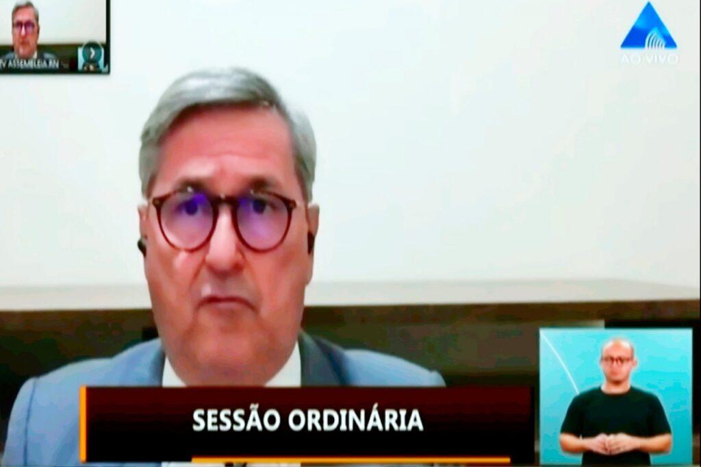 Tomba Farias diz que o governo Fátima 'não tem respeito pelo dinheiro público'