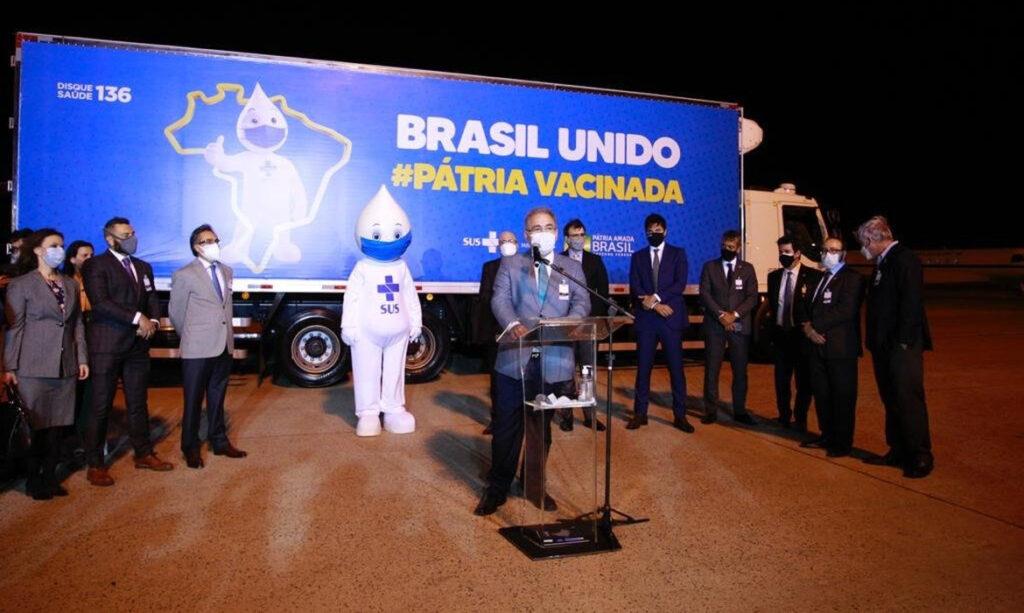 Brasil recebe 1º lote da vacina da Pfizer-BioNTech