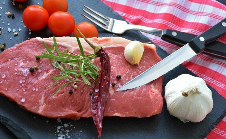 Consumo de carne no Brasil cai ao menor nível dos últimos 25 anos