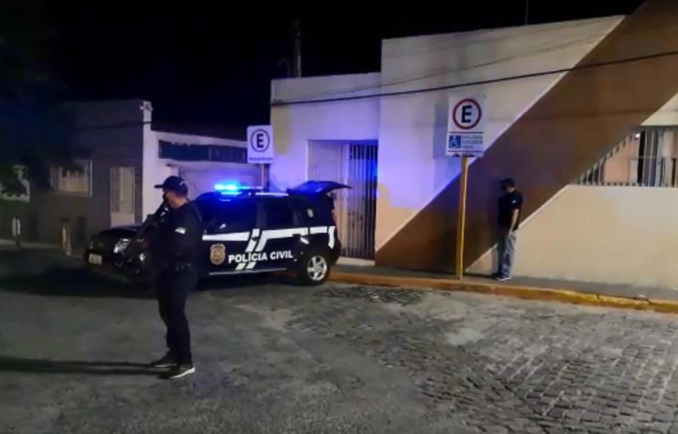 Polícia Civil prende suspeito por estupro de jovem com deficiência em Macaíba