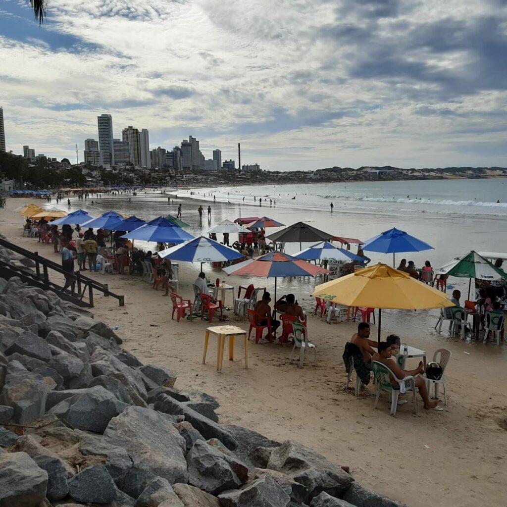 Início de maio foi marcado com aglomerações nas praias de Natal