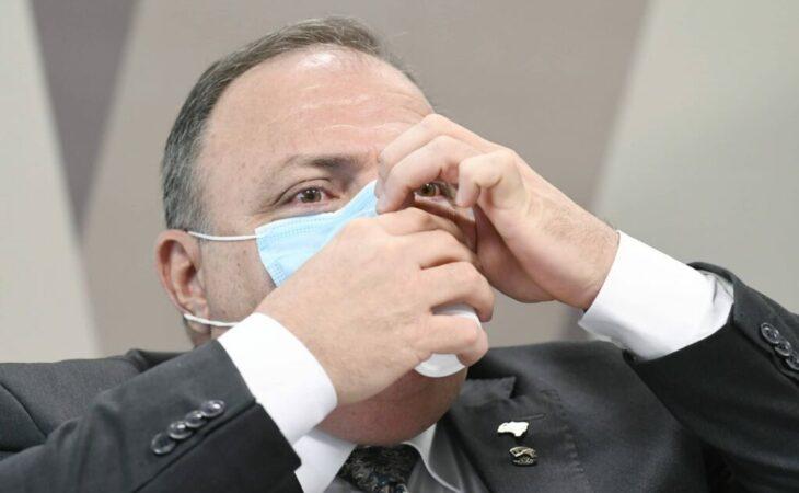 Pazuello culpa AM por falta de oxigênio e é acusado de mentir