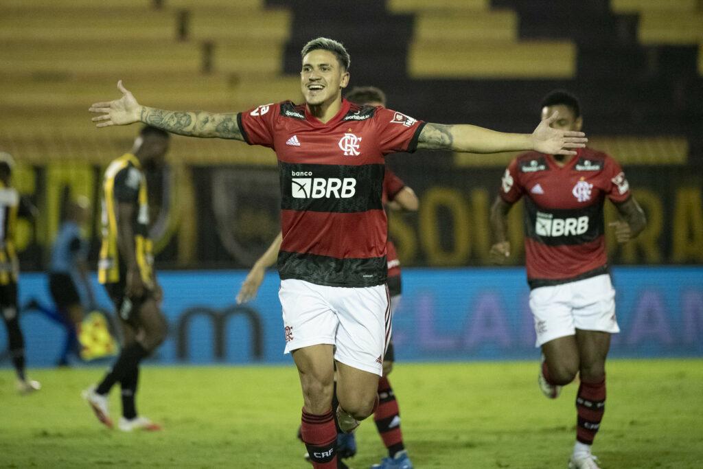 Com show de Michael e Pedro, Flamengo vence o Volta Redonda