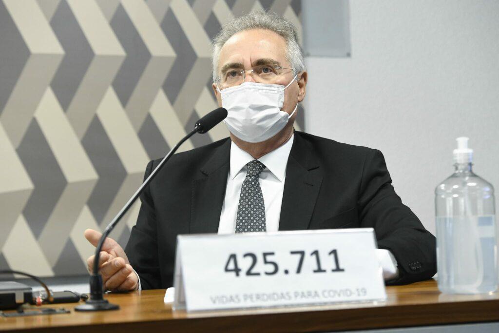 Sessão da CPI é suspensa após Flávio Bolsonaro xingar Renan Calheiros